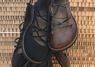 Chez Eco & Gea, vous trouverez une large sélection de chaussures végétaliennes.