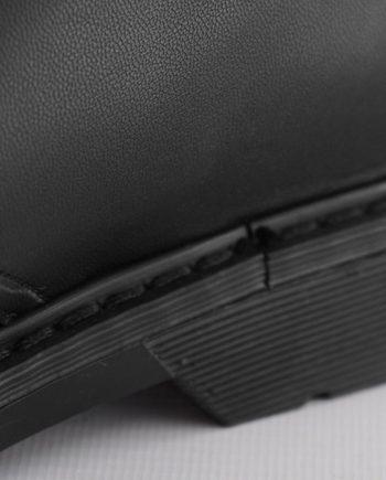 Scarpe-uomo-allacciate-impermeabile-3-occhielli-colore-nero-animal-Free-dettagglio