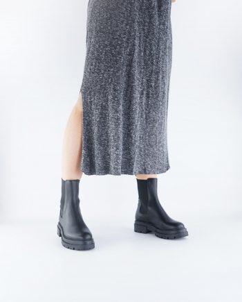Scarpe-donna-stivaletti-impermeabile-a-punta-tonda-con-calzata-elastica-senza-lacci-colore-nero-figura-intera