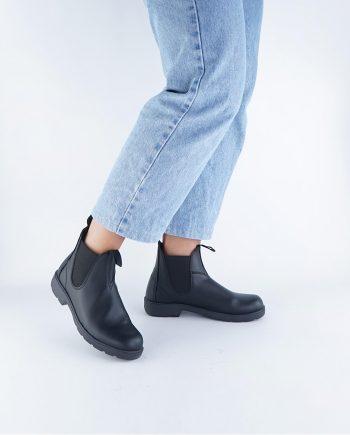 Scarpe-donna-impermeabile-con-calzata-elastica-senza-lacci-colore-nero-figura-intera