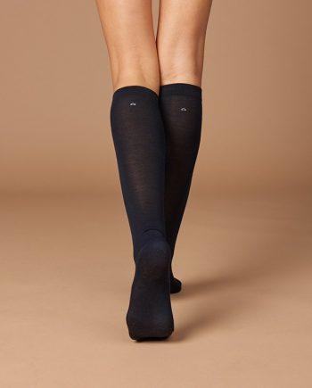 Calzini-lunghi-donna-tessuto-naturale-tinta blu